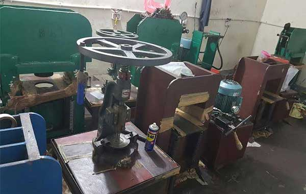 10 Rupee Coin making factory