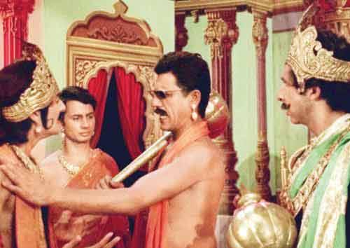 Late Om Puri on the set of Jane bhi do yaaro