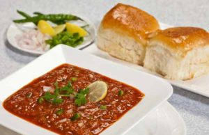 Pav bhaji Recipe in Hindi - How to make yummy Pav bhaji at Home