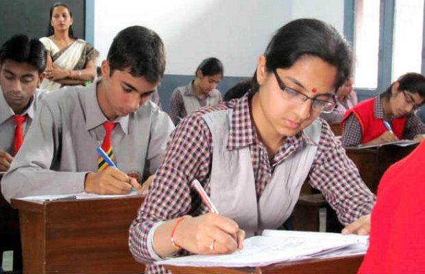 Central Board of Secondary Education(CBSE) is likely to declare the CBSE 12th Result next week, tentative dates are May 21, May 24, May 25.
