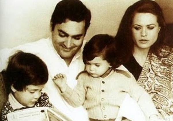 Rajiv Gandhi with his family.jpg