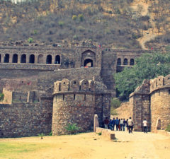 Bhangarh Fort- The most haunted place in India