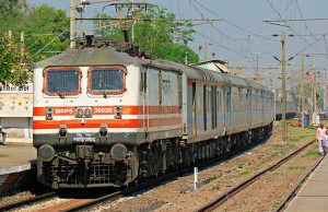 Shatabdi express running from Delhi to lucknow separated